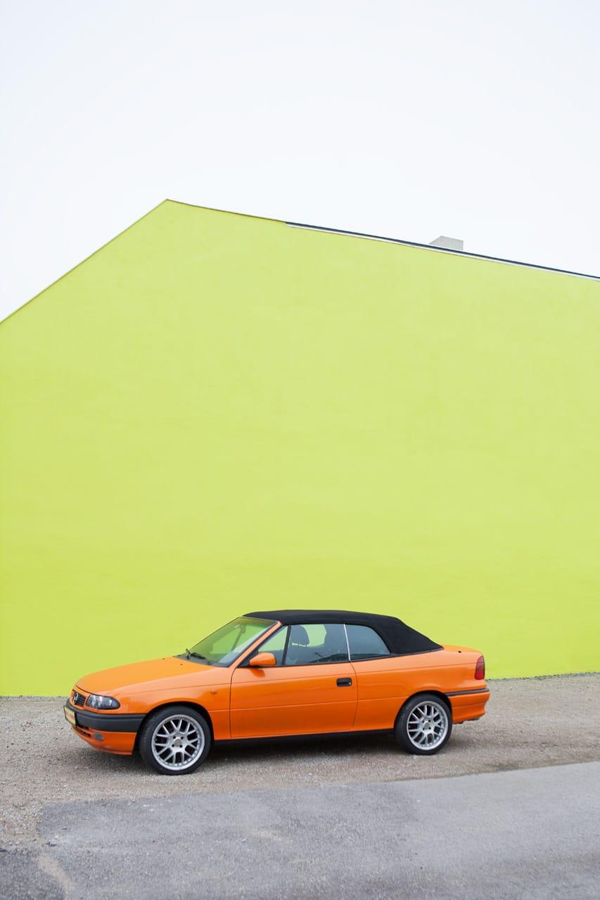 Julian Mullan, Die Stadt, Das letzte Auto